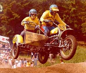 Een fraaie actie met Han Vels tijdens de Grand Prix in Lochem in 1978.