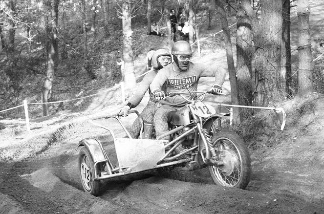 Met Broer Dirkx werd Andre Godschalk in 1974 Nederlands kampioen zijspancross.