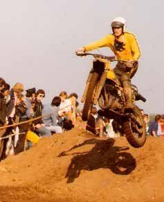 Vromans volgde aan het begin van zijn carrière zijn steun en toeverlaat Johnny Strijbos naar de zaak van Roger de Coster en reed toen het Belgische kampioenschap op een productie Suzuki.