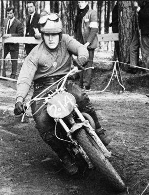 Wolsink begon zijn carrière in de zwaardere klassen op Husqvarna. Hier in 1966 op een 250 cc.