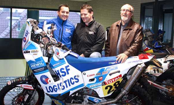 Mannen van Staal: Henk Knuiman sr. met zijn beide zoons Henk jr. (links) en Sten, die binnenkort beide starten in de Dakar rally.