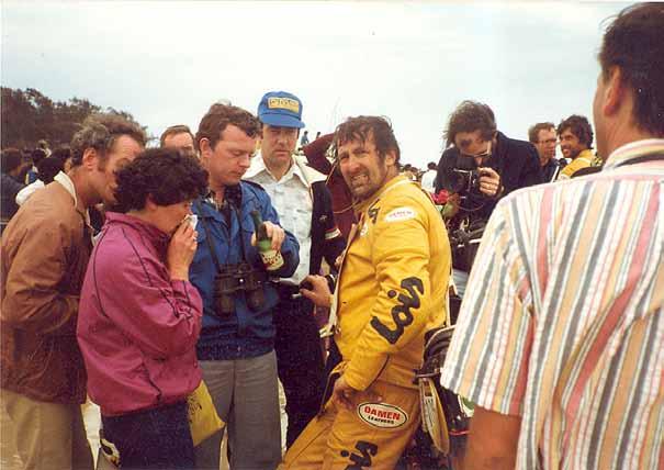 Henk Knuiman bereikte als eerste Nederlander ooit de finish in Dakar.