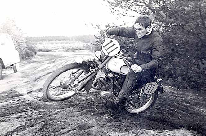 Er was in die beginjaren altijd wel ergens een plekje op de Sallandse Heuvelrug om de motor te testen...