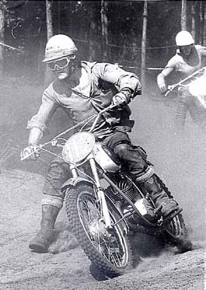 Apeldoorn 1969: de crossshirts werden destijds nog gekocht bij de kledingzaak op de hoek.