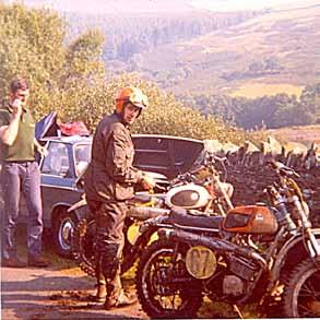 In 1971 startte Jan van Beek voor de onlangs overleden Gert Rond op één van diens 125 cc Rond Sachs' in de zesdaagse op het Isle of Man