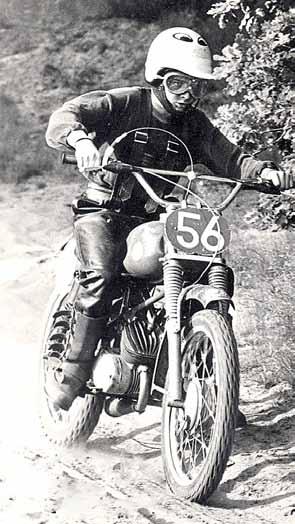 In de beginjaren nam Vink senior Johnny mee om te gaan crossen op de Veluwe.