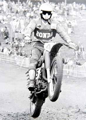 In 1975, inmiddels op Honda, won Karsmakers toch nog een 500 cc GP.