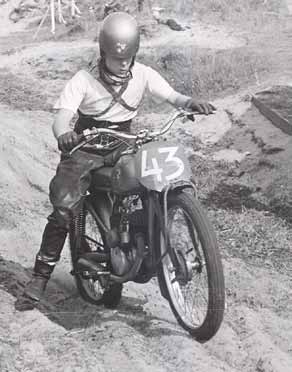 Zijn eerste wedstrijd won Rudi boom in 1954 in Egmond op de DMF-Puch.